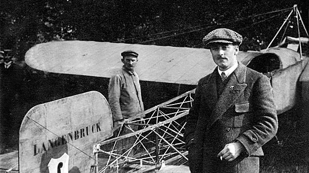 Mit seinem Flug nach Mailand und zurück überflog Oskar Bider als erster die Alpen in beide Richtungen.