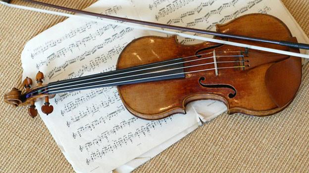 Eine Stradivari aus dem Jahr 1716 im britischen Auktionshaus Sothebys, 2003.