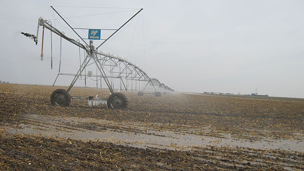 Die Sprinkleranlagen nutzen rares Grundwasser: Great Plains in den USA