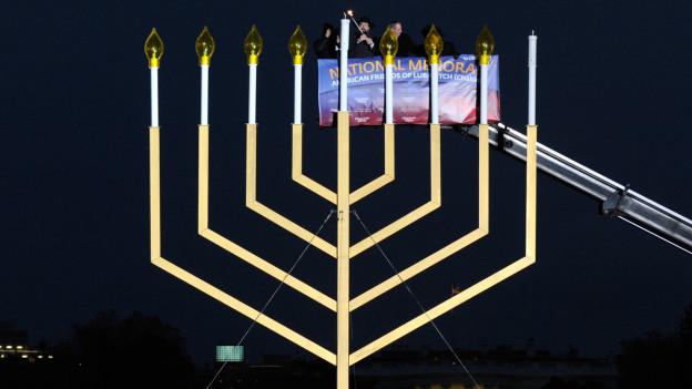 Festigkeiten zum jüdischen Chanukkah vor dem Weissen Haus.