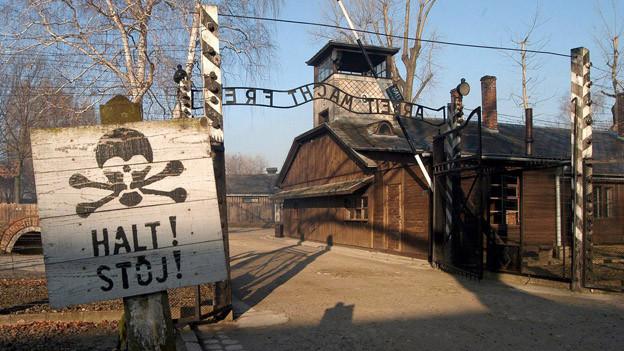 Der Eingang des Konzentrationslagers Auschwiz-Birkenau.