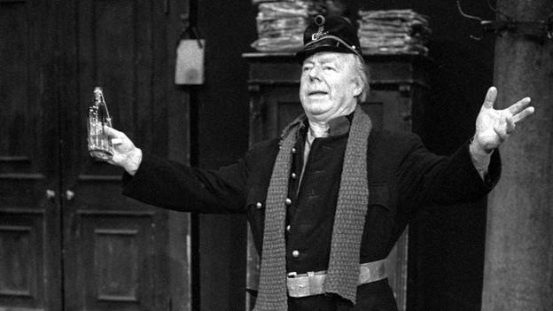 Heinz Rühmann als Frosch in Johann Strauss' Fledermaus in Zürich, 1979.