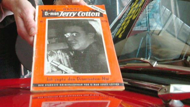 Ein Jerry-Cotton-Heft aus dem Jahr 1954 wird gezeigt.