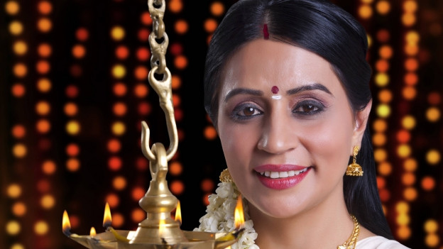 Südindische Frau mit Bindi.