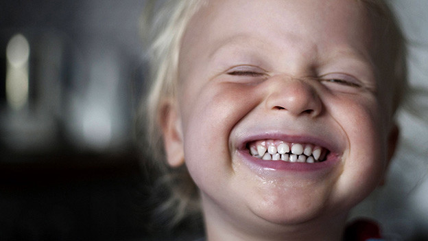 Die Forschung beschäftigt sich auch mit Phänomenen wie dem Lachen.