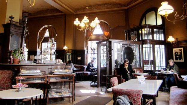 Kaffeehaus im Stil der Jahrhundertwende.