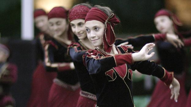 Folkloregruppe in Batuni, Georgien