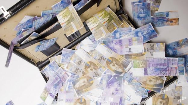 Ein Koffer voller Banknoten