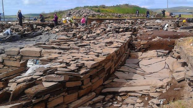 Die Ausgrabungsstätte auf den Orkey-Inseln