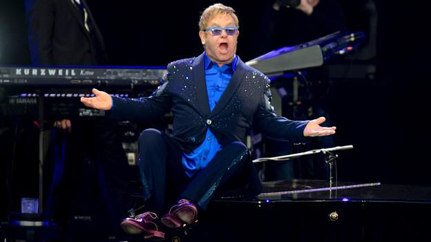 Elton John in Action.