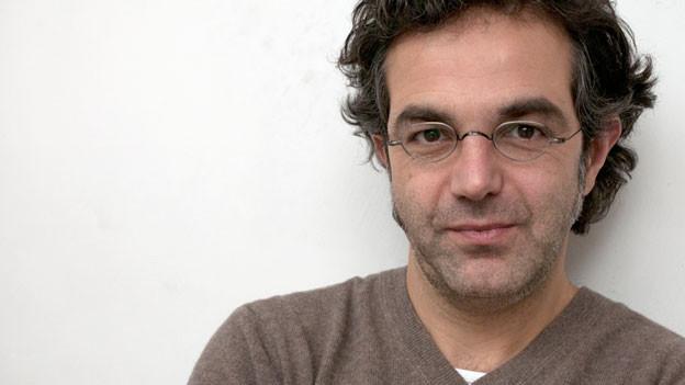 Ein Porträtfoto von Navid Kermani.