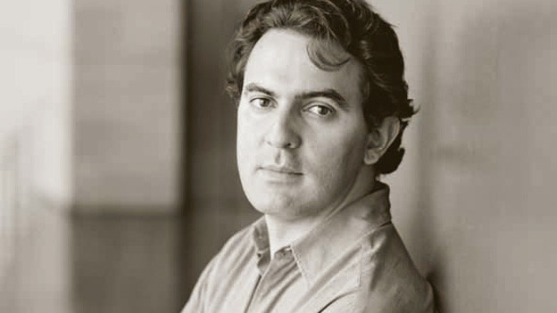 Gabriel Vásquez im Porträt.