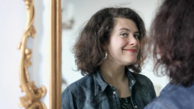 Porträt Nora Gomringer