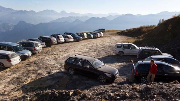 Autos auf dem Calanda.