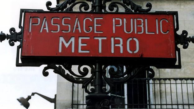 Ein Krimi in der Pariser Vorstadt und im Untergrund.