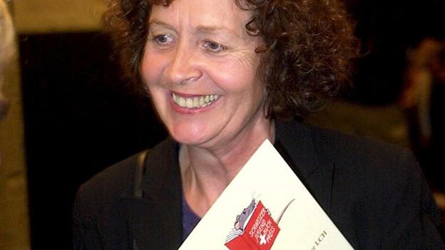 Die Schriftstellerin Angelika Waldis bei der Verleihung des Jugendbuchpreises, 2000.