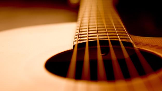 Die Gitarre, das vielleicht bekannteste Saiteninstrument.