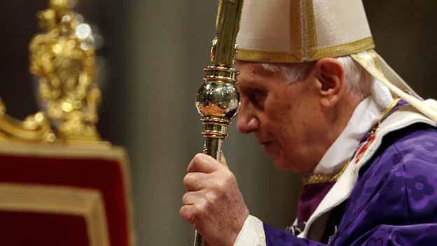 Benedikt der XVI habe die Traditionen hochgehalten, sagen die «Vaticanisti». Er habe eine Alternative aufzeigen wollen zum Zeitgeist.