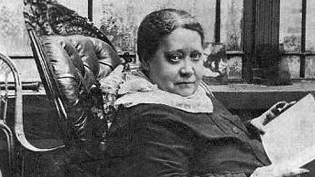 Helena Petrowna Blavatsky in einer Fotografie aus dem Jahr 1887.
