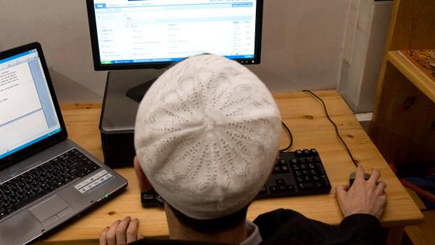 Muslime werden immer häufiger angefeindet im Internet.