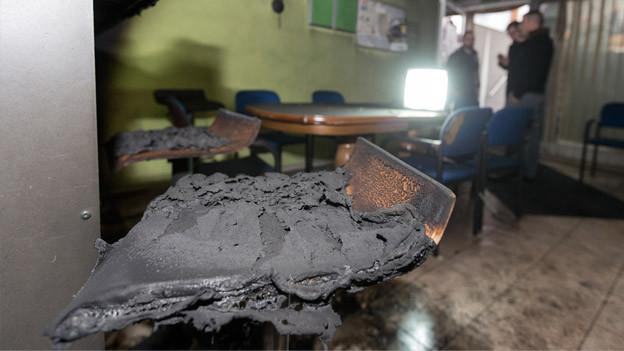 Angesengtes Mobiliar im islamisch-albanischen Kulturverein Flums.