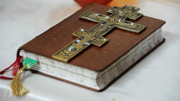 Abbild einer serbisch-orthodoxen Bibel