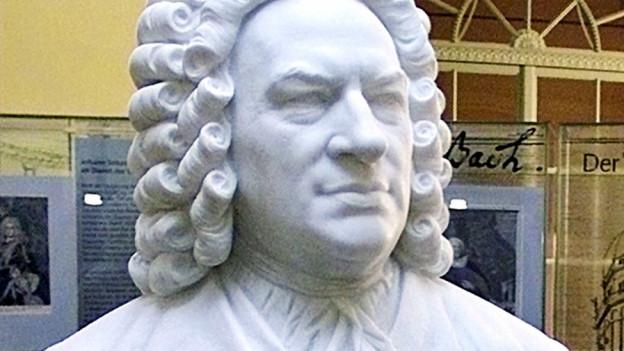 Eine Büste von Bach.