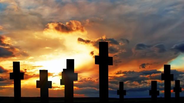Friedhof bei Sonnenuntergang