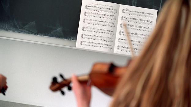 Trotz Musikförderungsartikel soll Musik in Basel ab der 8. Klasse bald kein Pflichtfach mehr sein.