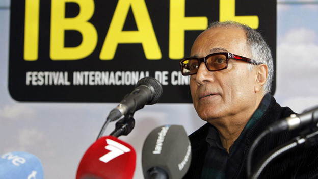 Der iranische Starregisseur Abbas Kiarostami sucht seine künstlerische Freiheit einmal mehr ausserhalb seiner strengen Heimat.