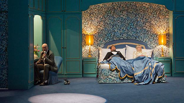 Bendix Dethleffsen, Michael von der Heide und Tora Augestad in einer Szene von «King Size».