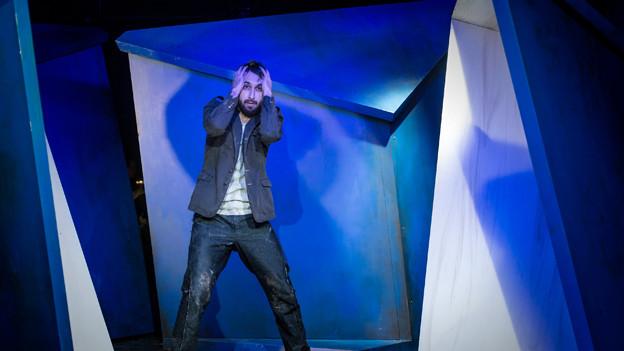 Flurin Caduff als Odysseus in «Ansichten einer Reise» am Luzerner Theater.