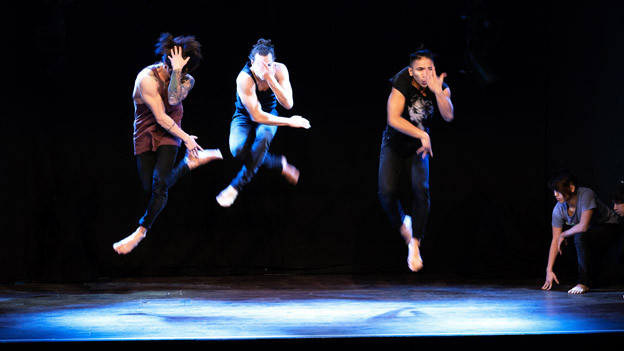 Teilnehmer des Castings für das Stück «The Show Must Go On» von  Jérôme Bel.