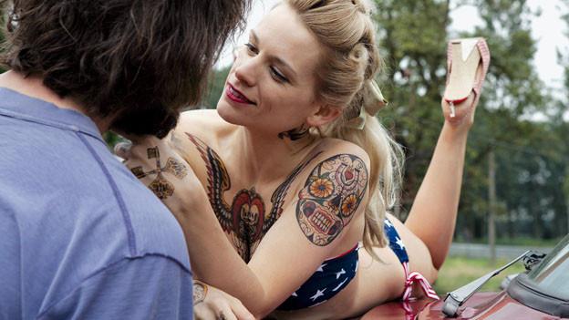 Tätowiererin Elise verliebt sich in den Musiker Didier.