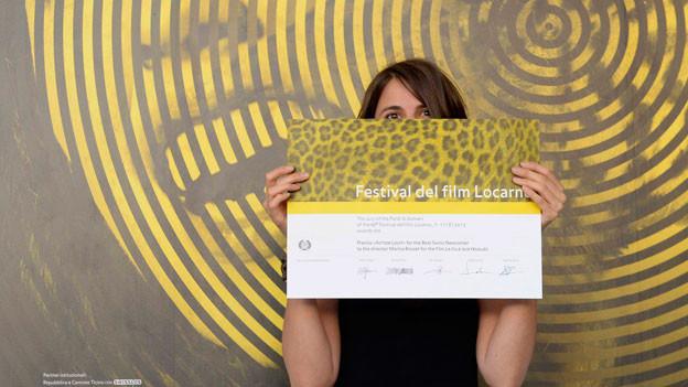 Marina Rosset, die Regisseurin von «La fille auf feuilles», auf dem Roten Teppich.