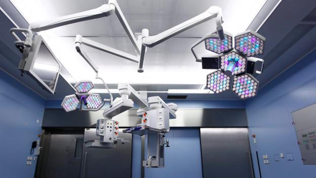 Wie wollen wir in Zukunft geheilt werden? Ein Röntgenapparat im Inselspital.