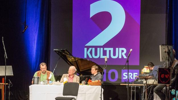 Die Live-Radioshow im Stadttheater Olten.