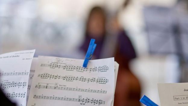 Ein Notenständer im Konservatorium Winterthur.