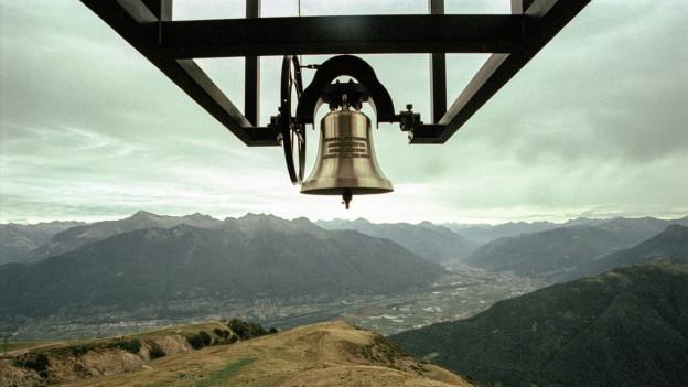 Die Glocke der Kirche Santa Maria degli Angeli, die nach den Plänen des Architekten Mario Botta erbaut worden ist.