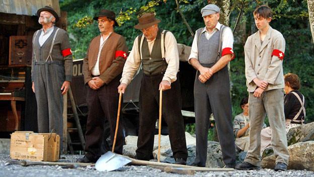 Eine Szene des Theaterstücks «Der Schwarze Tanner» von Meinrad Inglin, Ballenberg 2007.