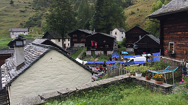 Blick auf das Dorf Bosco Gurin