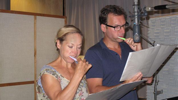 Im Produktionsstudio: Susanne Marie Wrage (Yvonne Le Gall) und Sigfried Terpoorten (Léon Le Gall).