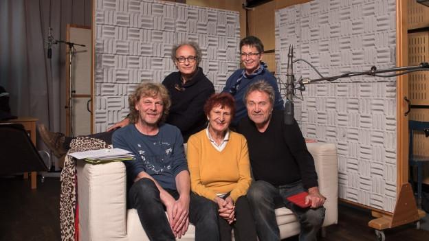 Im Hörspielstudio: Franz Baumann, Jürg Kienberger, Marie-Thérèse Escribano, Margret Nonhoff, Wolfram Berger (v.l.n.r.)