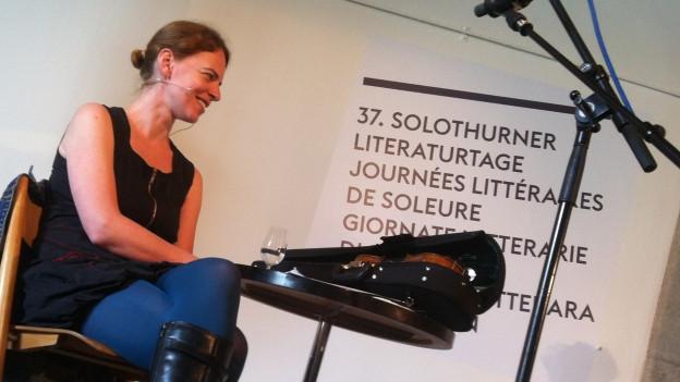 Die Liedermacherin und Schauspielerin Uta Köbernick.
