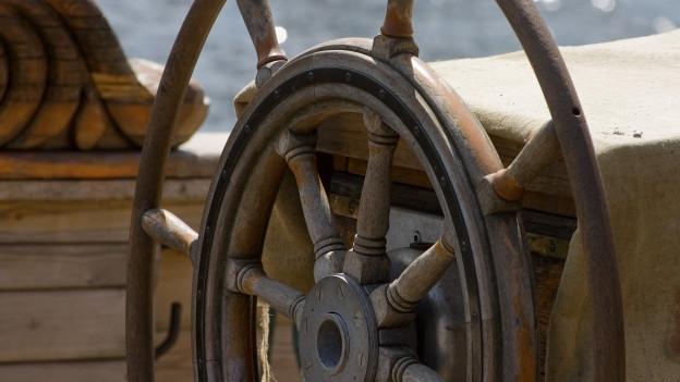 Steuerrad eines alten Schiffes