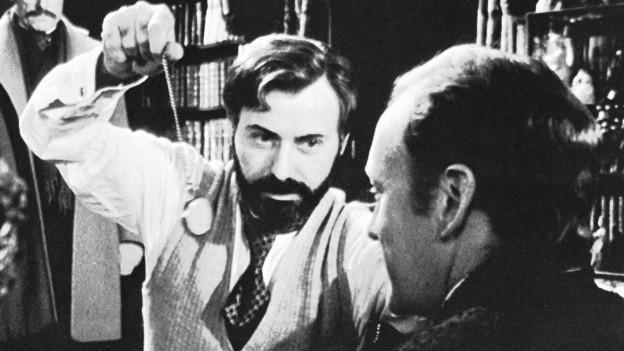Was, wenn Holmes und Freud sich begegneten? Szene aus «Kein Koks für Sherlock Holmes», 1976.