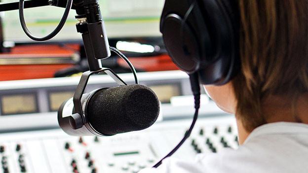 Auch die vermeintlich heile Welt eines Hörspielstudios kann leicht aus den Fugen geraten.