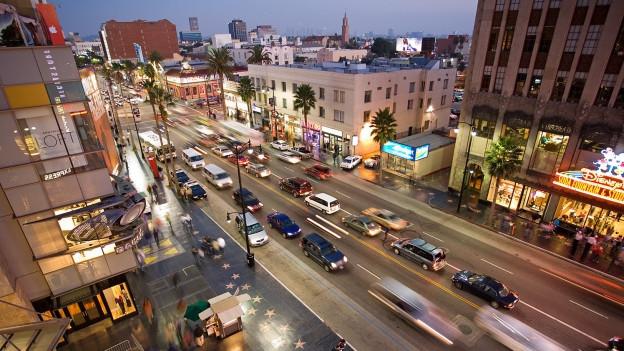 Hollywood Boulevard, aufgenommen vom Kodak Theatre.