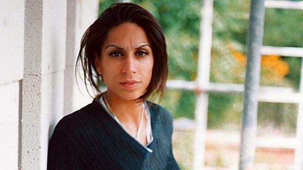 Porträt von Hatun Sürücü, die von ihren Brüder ermordet wurde.