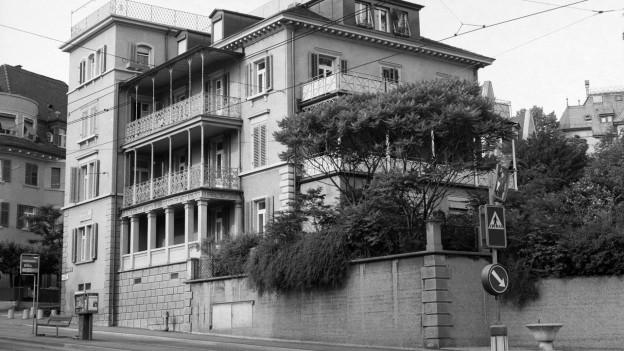 Liegenschaft an der Universitaetsstrasse 38 in Zuerich, wo der Schriftsteller James Joyce waehrend des Ersten Weltkriegs unter anderem wohnte